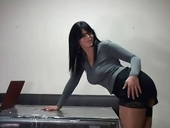 eating a pretty secretary